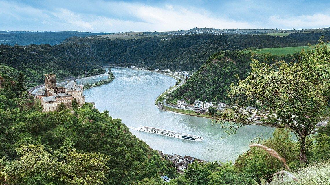 river cruise landscape