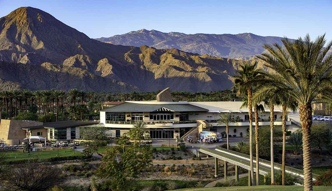 outside view of indian wells golf resort