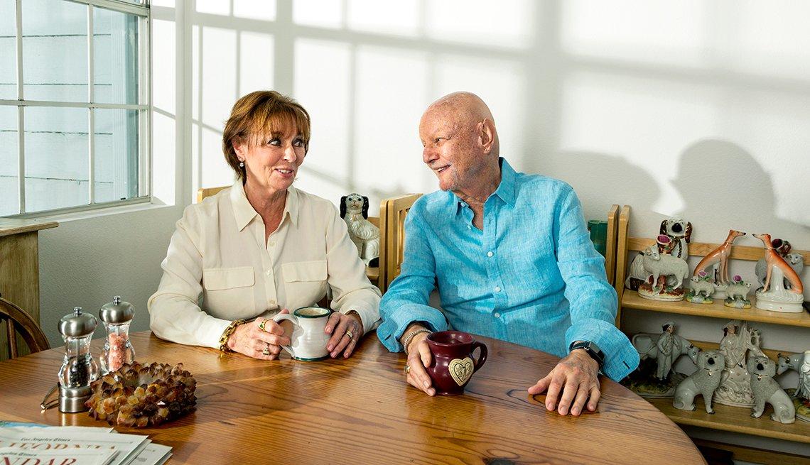 Elizabeth Lees y Mel Schwimmer