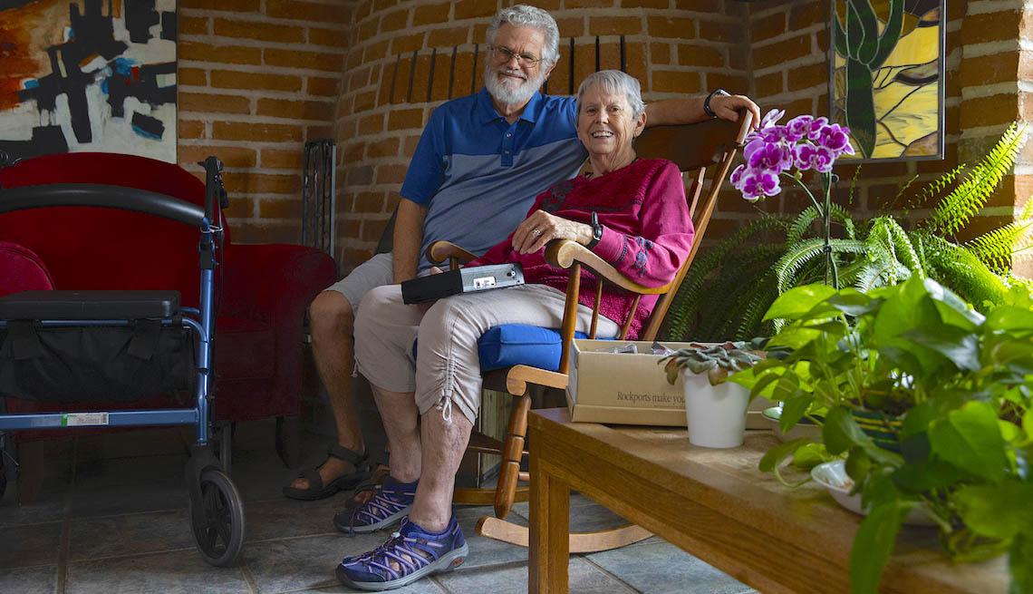 David y Fran Buss en su hogar en Arizona