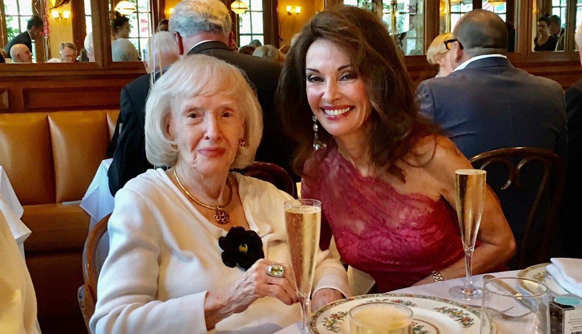 Susan Lucci junto a su mamá Jeanette