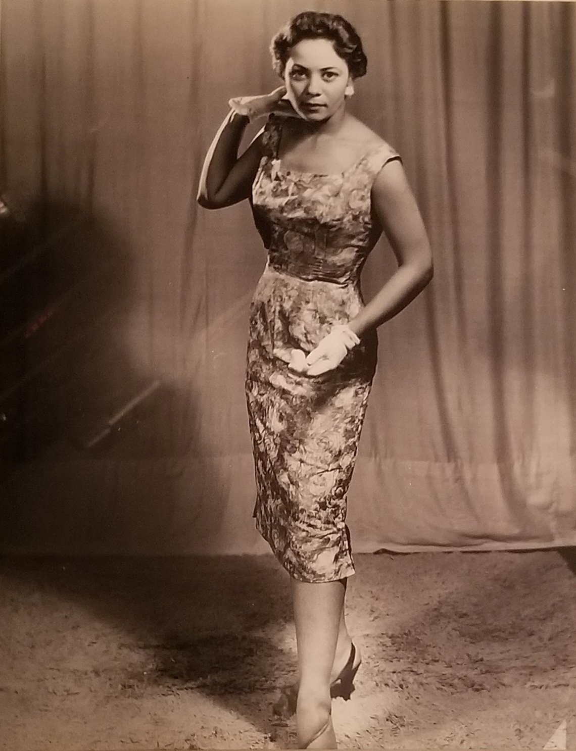 Nina brown modeling in her 20s