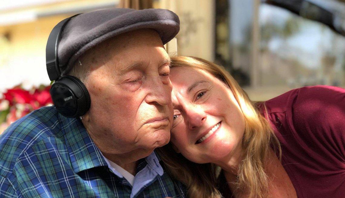 Amy Goyer con su papá.