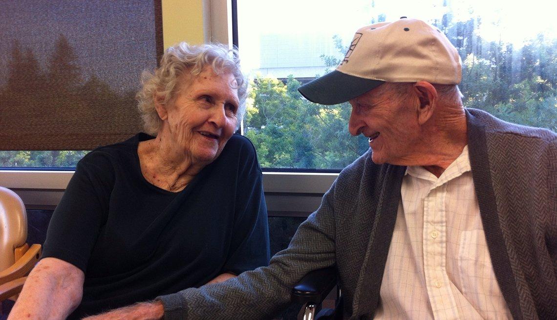 Gloria Jones y su esposo Bill.