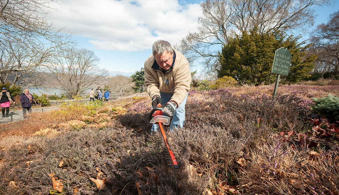 Garden volunteers in Fort Tryon Park, New Yor