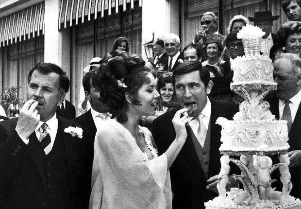 Diana Rigg - 50 años de James Bond: Desde Sean Connery a Daniel Craig