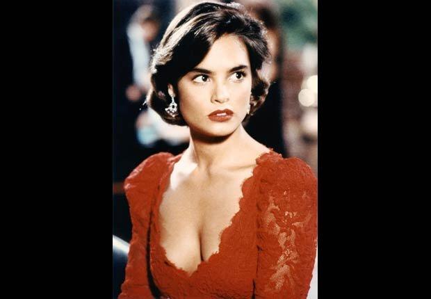 Talisa-Soto - 50 años de James Bond, desde Sean Connery a Daniel Craig.