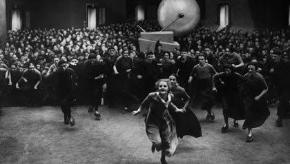 Una escena de Metropolis, una de las 21 películas clásicas para ver.
