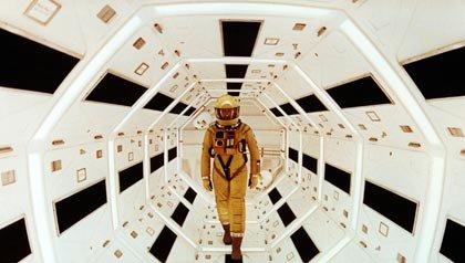 Una escena de 2001 Odisea del espacio, una de las 21 películas clásicas para ver.