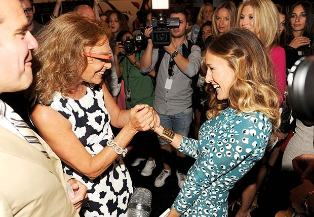 Diane von Furstenberg and Sarah Jessica Parker at Fashion Week 2012 with a pair of Google goggles