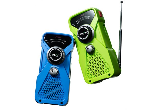 Generator-powered radio/flashlight