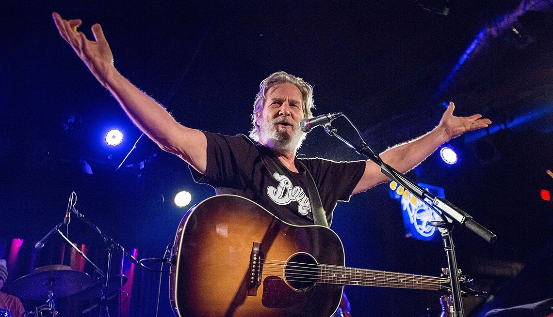 Actor Jeff Bridges Performs On Stage, Singer, Musician, Guitar, Concert, Actor Rock Stars