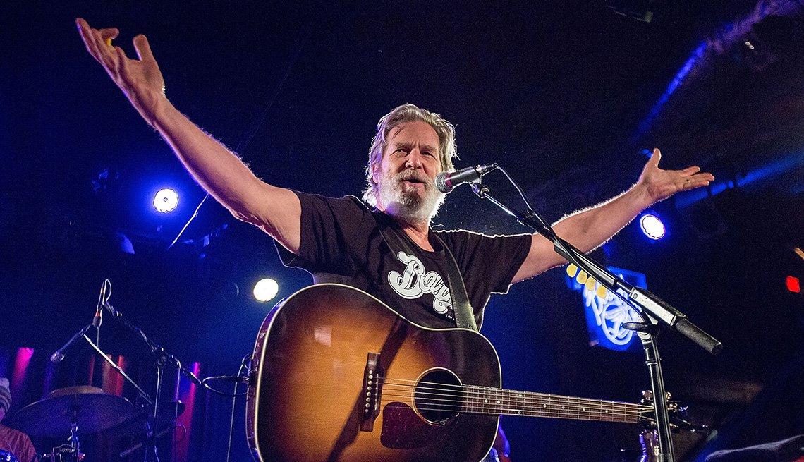 Actor Jeff Bridges Performs On Stage, Singer, Musician, Guitar, Concert, Actor Rock Stars