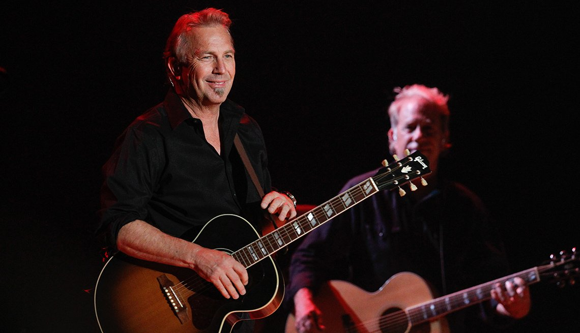 Kevin Costner, Actor, Singer, Musician, Band, Guitar, On Stage, Performance, Concert, Actor Rock Stars
