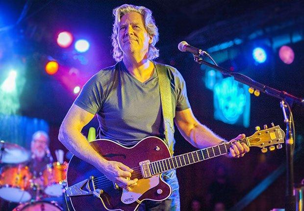 Jeff Bridges y los Abiders en la taverna Belly Up, Hombres famosos quieren tener bandas de música