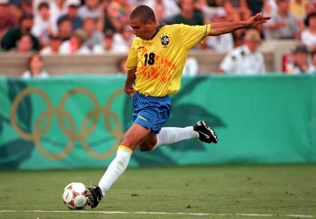 Ronaldo Luís Nazário - Los mejores delanteros de todos los tiempos