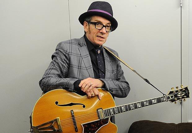Elvis Costello - Celebridades que cumplen en Agosto