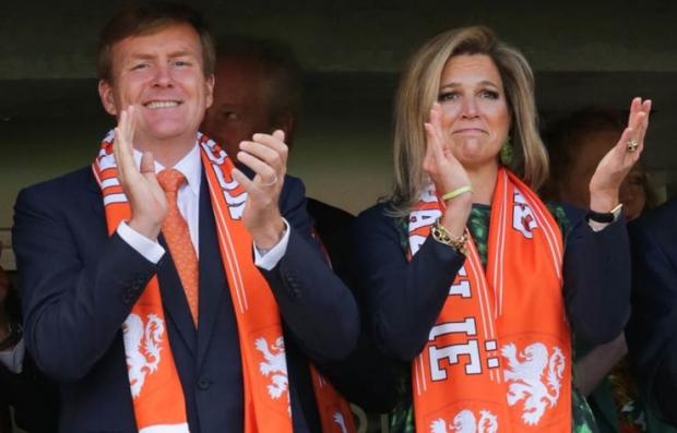 Holanda Rey Willem-Alexander y la Reina Maxima Zorreguita durante la Copa Mundial de la FIFA 2014.