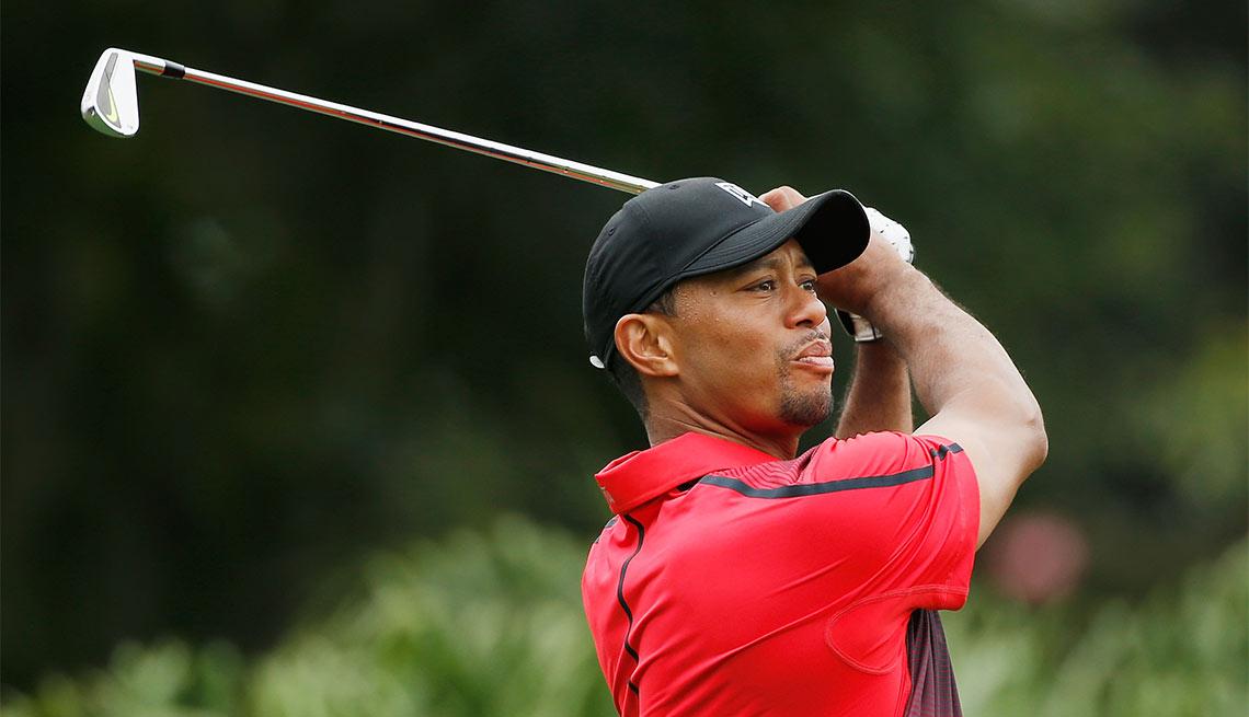 Tiger Woods - Famosos que dejaron los estudios y hoy son millonarios
