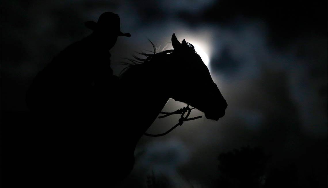 El Charro Negro - Noche de brujas, espantos y monstruos legendarios
