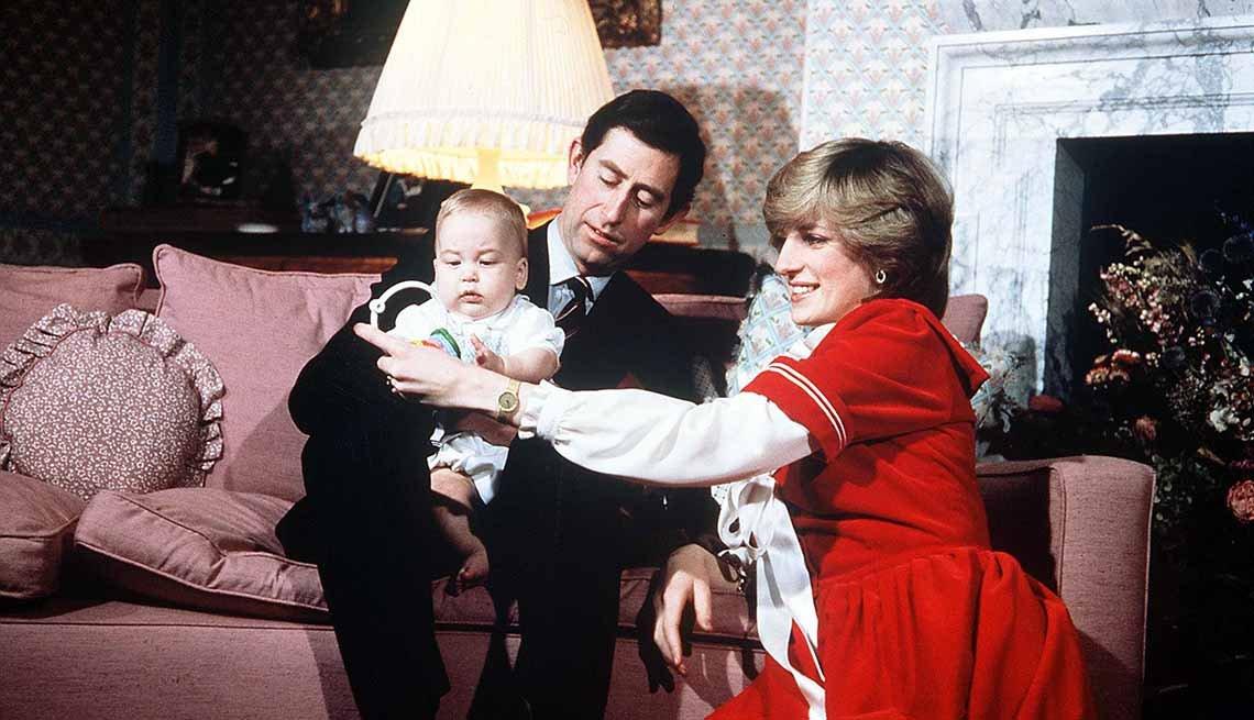 Lady Diana junto al príncipe Carlos y el príncipe Guillermo