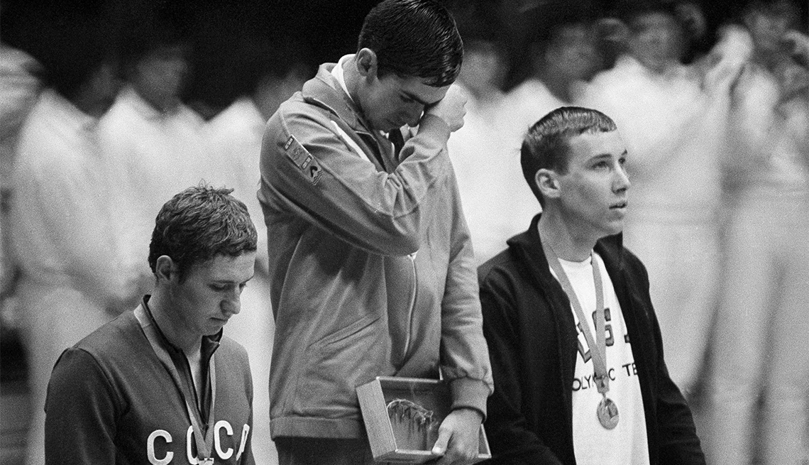 Felipe Muñoz Kapamas: Natación - Pioneros olímpicos hispanos