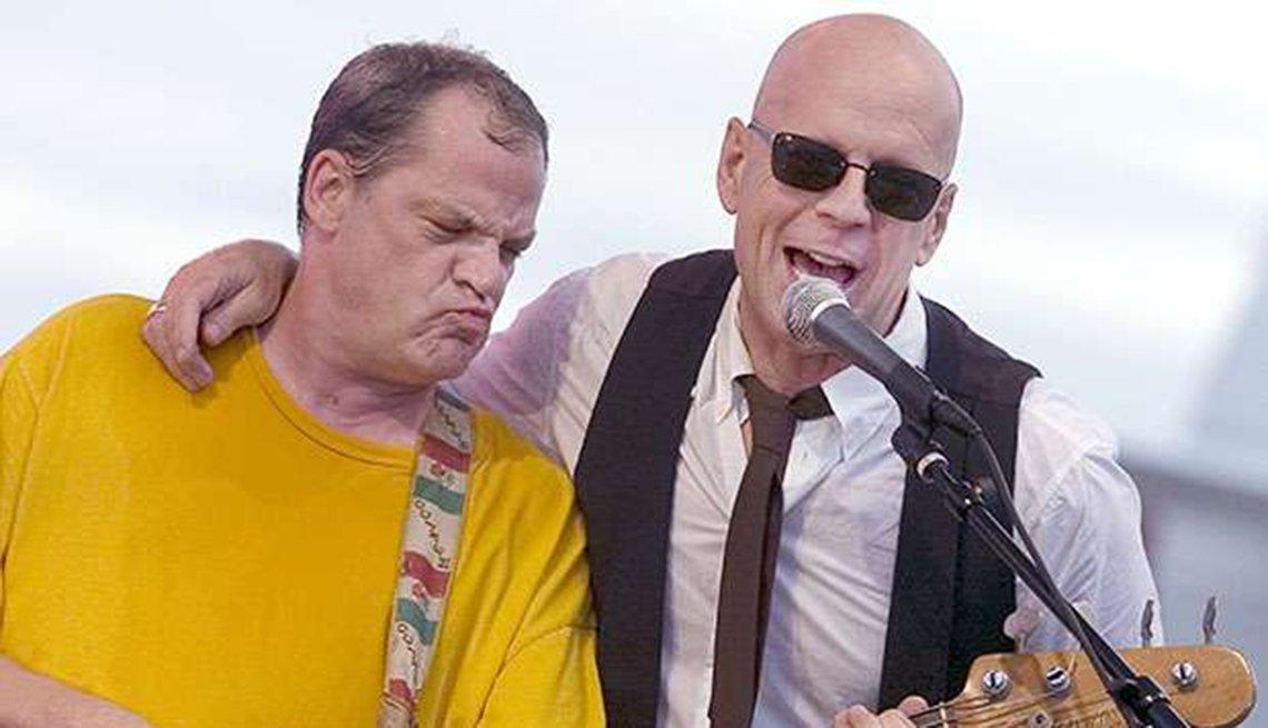 Actores convierten en realidad sus sueños musicales - Bruce Willis con el bajista Tad Wadhams
