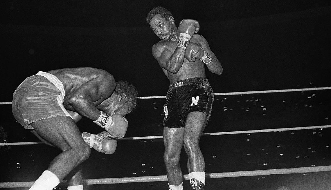 Leyendas del boxeo latinoamericano - José Nápoles (80-7, 54 nocáuts)