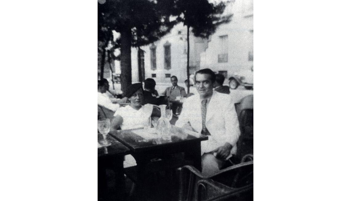 Foto del dramaturgo español Federico García Lorca en 1936, cerca de la fecha de su asesinato