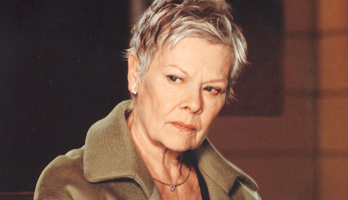 James Bond, el espía que nos ha entretenido por 50 años - Dame Judi Dench, 'Casino Royale,' 2006