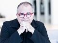 Retrato del escritor y editor en jefe de People en Español Armando Lucas Correa