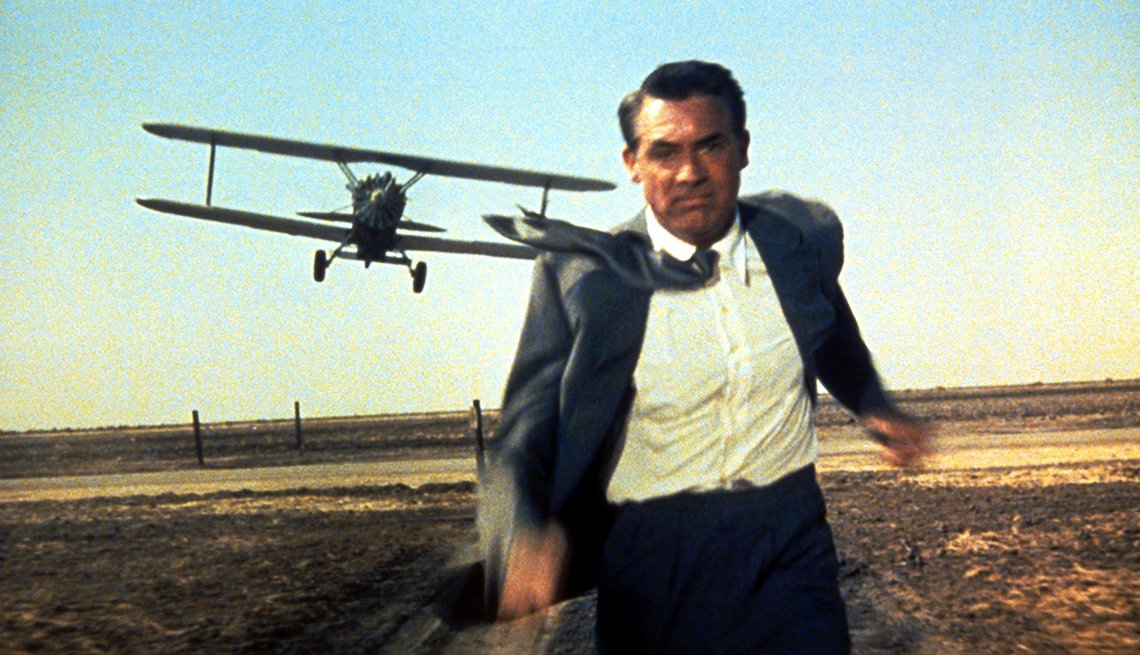 Cary Grant en una escena de la película North by Northwest, 1959