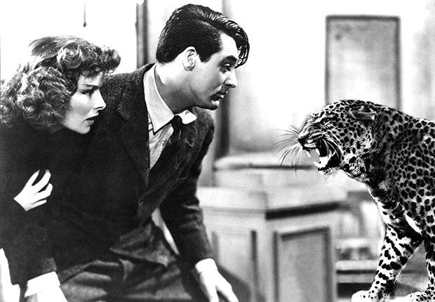 Escena de la película Bringing Up Baby, con  Katharine Hepburn y Cary Grant (1938)