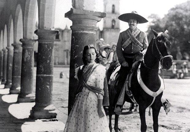 Pedro Armendáriz un actor que dejó huella en México y Hollywood - En una escena de la película Enamorada con María Félix, 1946