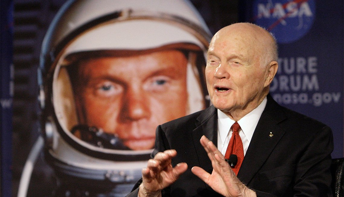 Famosos que nos dejaron en el 2016 - John Glenn, astronauta, 95