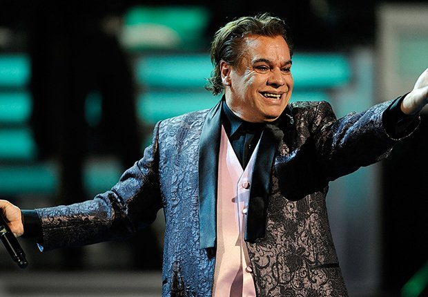 Famosos que nos dejaron en el 2016 - Juan Gabriel, cantanten mexicano, 66