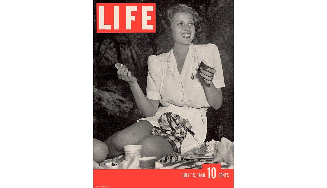 Rita Hayworth en la portada de la revista Life Magazine en julio de 1940 - La vida de la artista en el cine