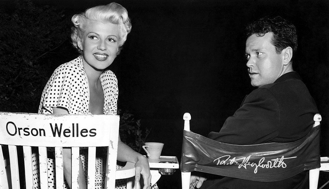 Rita Hayworth y Orson Welles en el set de The Lady from Shanghai - La vida de la artista en el cine