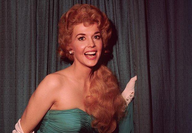 Donna Douglas, 82, actriz - Famosos fallecidos en el 2015