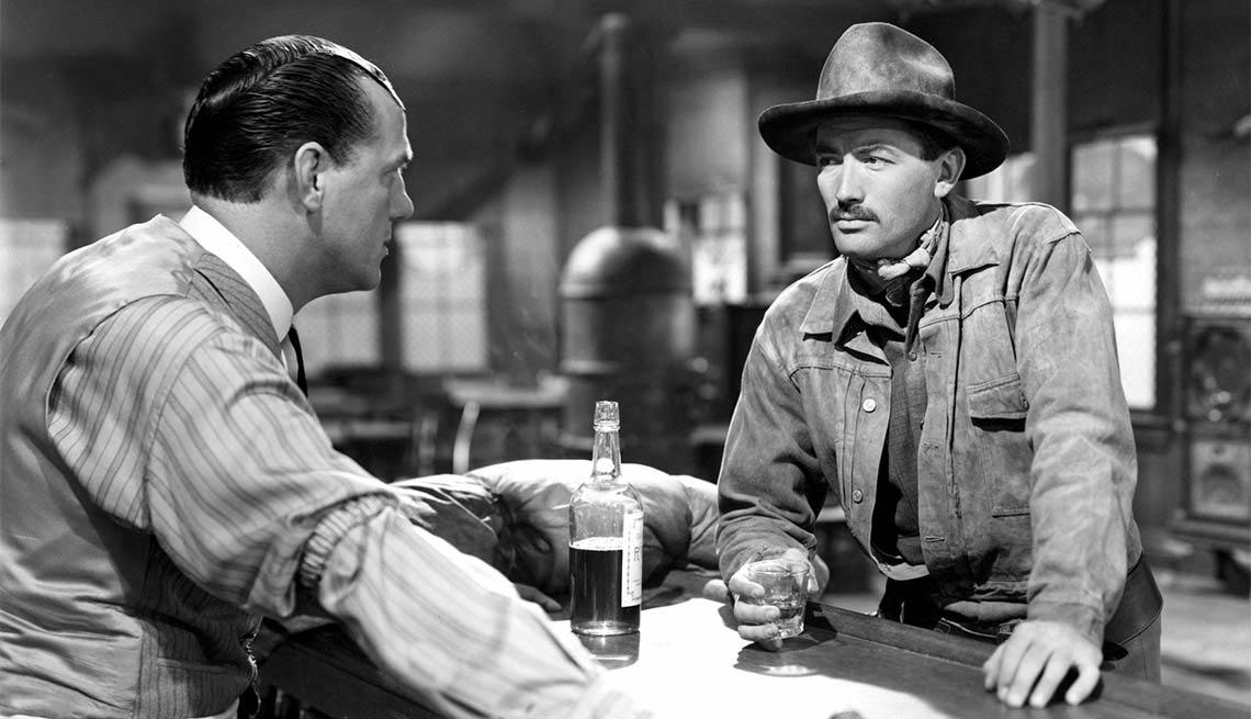 Karl Malden y Gregory Peck en una escena de 'The Gunfighter' - Carrera del actor en Hollywood