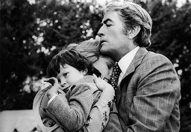 Gregory Peck en una escela de la película 'The Omen' - Carrera del actor en Hollywood