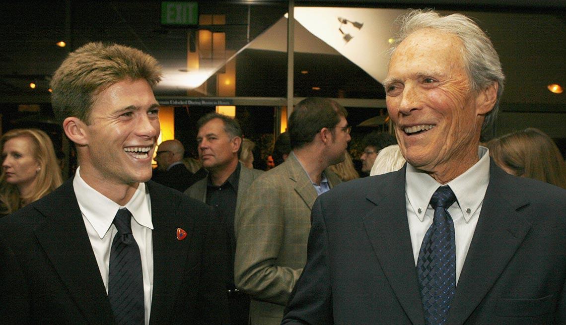 item 3 of Gallery image - Scott y Clint Eastwood - Papás con hijos tan famosos como ellos
