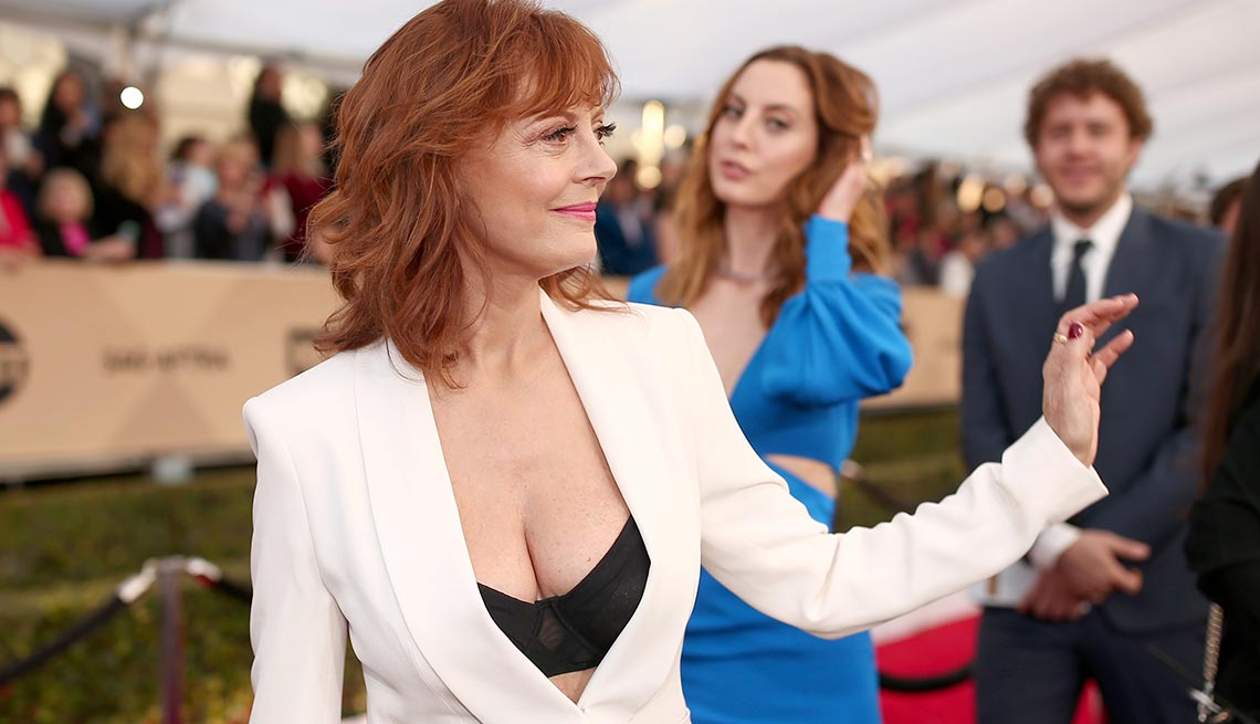 77a69d3238636 Susan Sarandon in a black bra and white suit at the 2016 SAG Awards