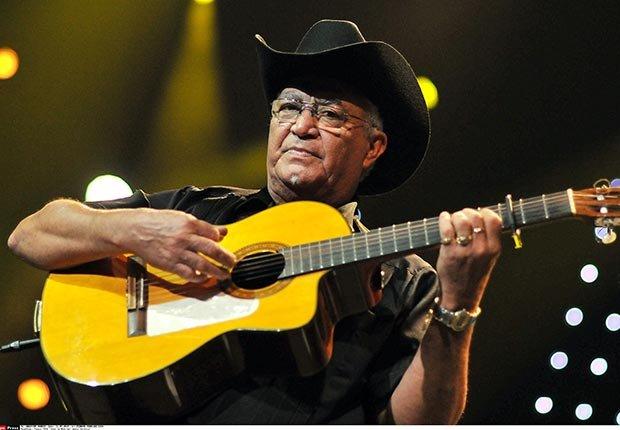 Elíades Ochoa, 70 - Cumpleaños en junio