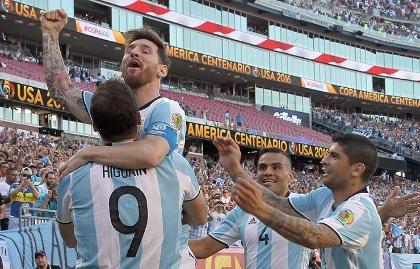 Messi e Higuaín, una dupla de miedo