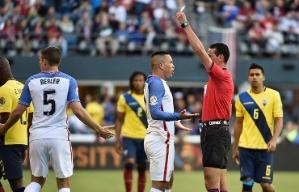 El árbitro colombiano Wilmar Roldan