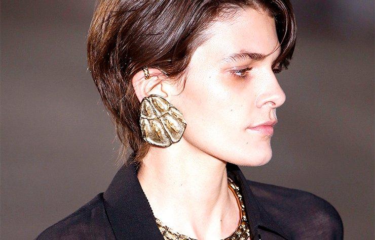 Big Earrings On Trend 2017