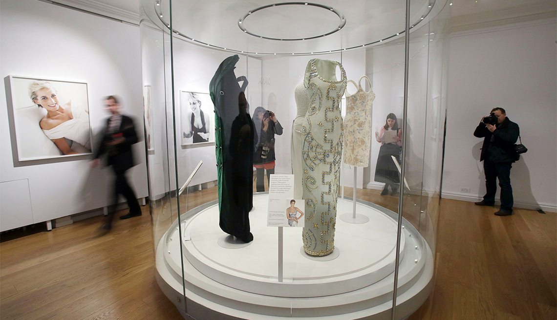 Diana Dress Exhibit