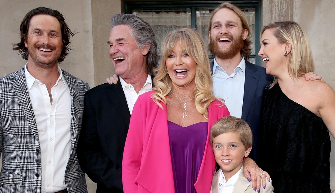 Goldie Hawn and her children.