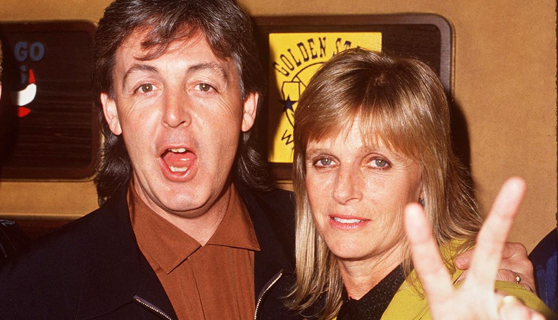 Paul and Linda McCartney, lent thier voices to 'The Simpsons'